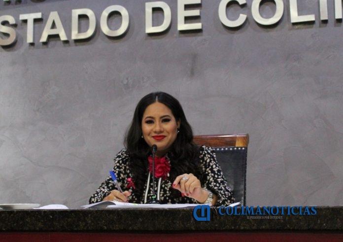 Dip. Ana Karen Hernández Aceves 01 696x491 - Que actas tengan vigencia permanente, propone Diputada Claudia Aguirre Luna