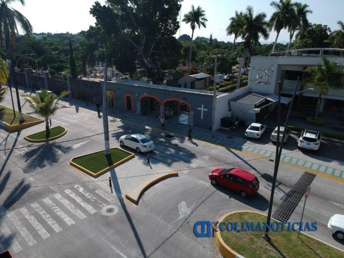 Panteón Municipal de Colima 696x522 - Servicio de recolección de basura en la capital, se llevará a cabo de manera habitual en días festivos