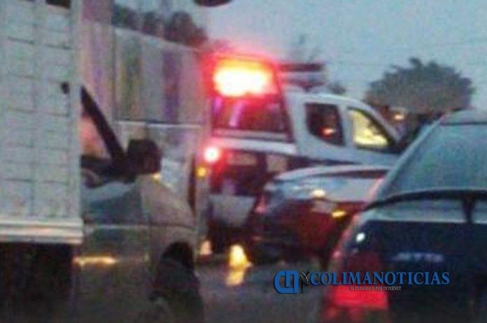 carambola veracruz 696x462 - Menores de un equipo de fútbol resultan lesionados tras carambola en Veracruz