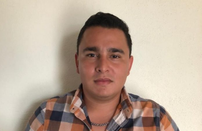Efraín Acevedo 696x453 - Ayto de Armería invierte 2 millones en la rehabilitación del pozo de agua en Cuyutlán