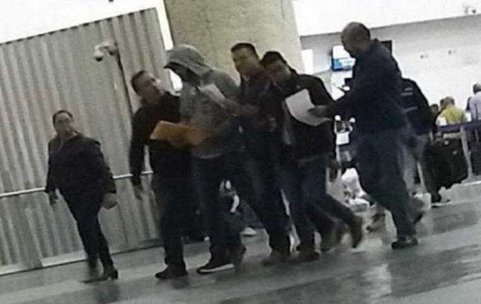 detenido alcalde 696x440 - Previo a su boda, fue detenido el alcalde de Tehuacán en el AICM