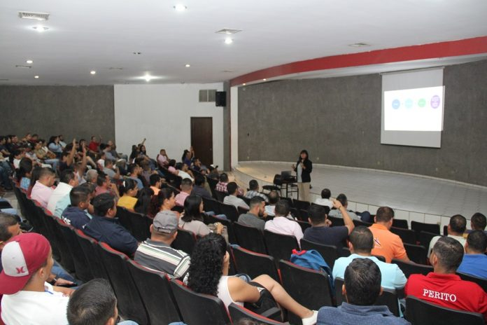 fiscalia CONFERENCIA 696x464 - Dictan conferencia sobre competencias socioemocionales