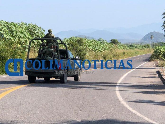 Se enfrentan policías estatales y sujetos armados en Tecomán 2 696x522 - Persecución en Tecomán termina con 4 detenidos y 17 armas decomisadas - #Noticias