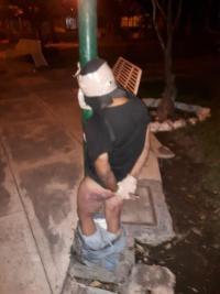 Vecinos de 'El Diezmo' atrapan a ladrón y lo amarran a un poste 2