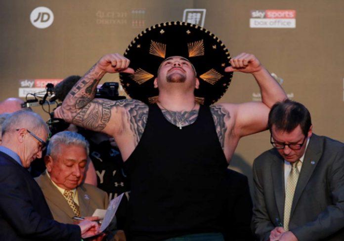andy ruiz 1 696x488 - Andy Ruiz le pone el toque mexicano al pesaje