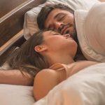 dormir pareja 150x150 - Cómo despejar la mente antes de dormir para descansar mejor