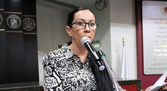 Dip. Claudia Gabriela Aguirre Luna 696x380 - Incentivo fiscal a las empresas que contraten mujeres: Claudia Aguirre - #Noticias