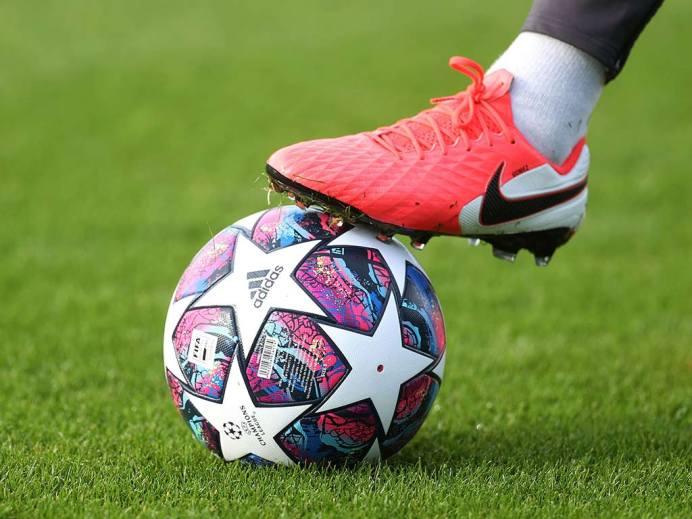 Presentan balón oficial para la final de la Champions League