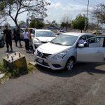 choque autos en la vila 150x150 - Mujer lesionada en fuerte accidente a la entrada de la colonia Villa Izcalli