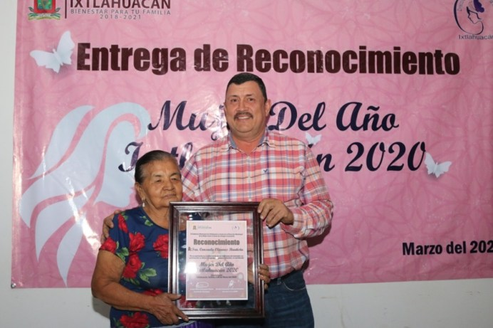 reconocimiento a la mujer ixtlahuaquense2