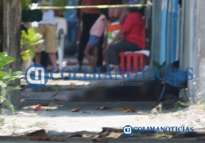 En Tecomán ejecutan a un hombre afuera de un taller de motocicletas