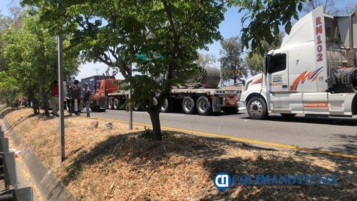 Vendían a traileros varados en carretera alimentos hasta en 270 pesos 696x392 - Vendían a traileros varados en carretera alimentos hasta en 270 pesos