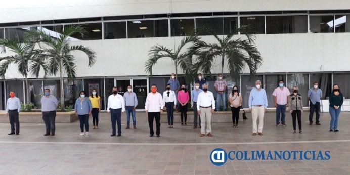 Entrega Gobierno 11 plazas a personal administrativo de la SE