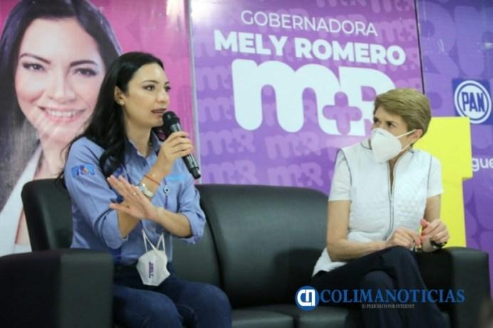 Mely con Beatriz Pagés (6)