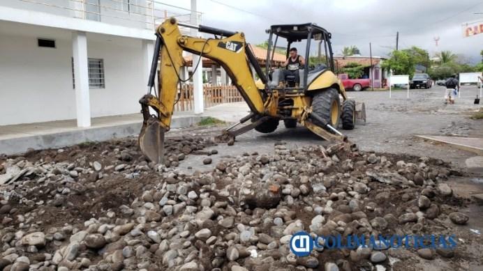 Comuna armeritense inicia con obra de empedrado en Cuyutlán