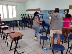 Llevan a cabo limpieza y sanitización de los espacios donde se instalarán mesas directivas de casilla