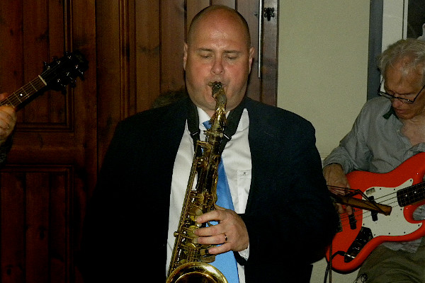 "Colin playing tenor at ""The Pickhurst"" on 15-09-2012"