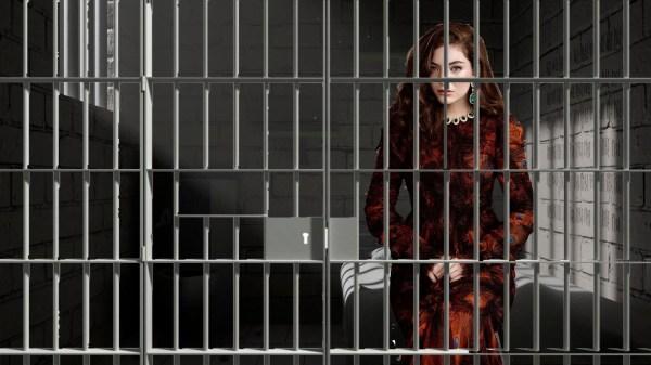 Ela admitiu ter cometido um CRIME em live