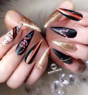 alluring glitter nail art design