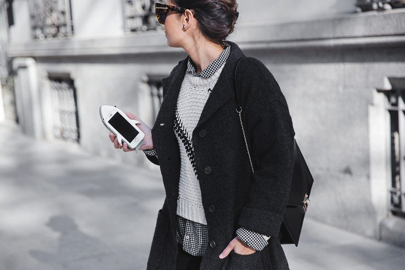 Faux_Fur_Scarf-Miandco_Coat-Plaid_Shirt-Layers-Chained_Boots-Outfits-Street_Style-French_Braid-52