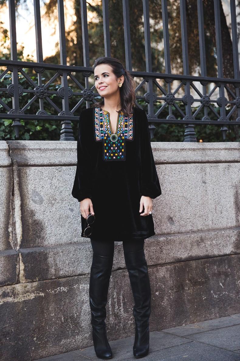 Fur_Coat-Velvet_Dress-Over_The_Knee_Boots-Boho_Dress-Outfit-Collage_VIntage-Street_Style-16