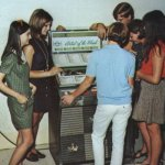 60s-jukebox-teenagers-vintage