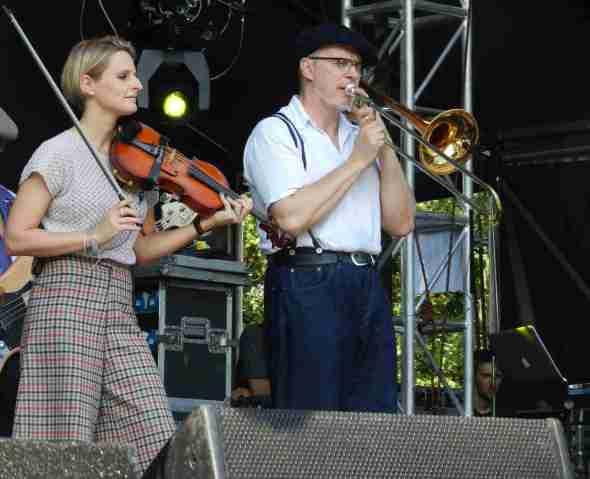 Dexys in Brisbane 2012 (Lucy, Big Jim)
