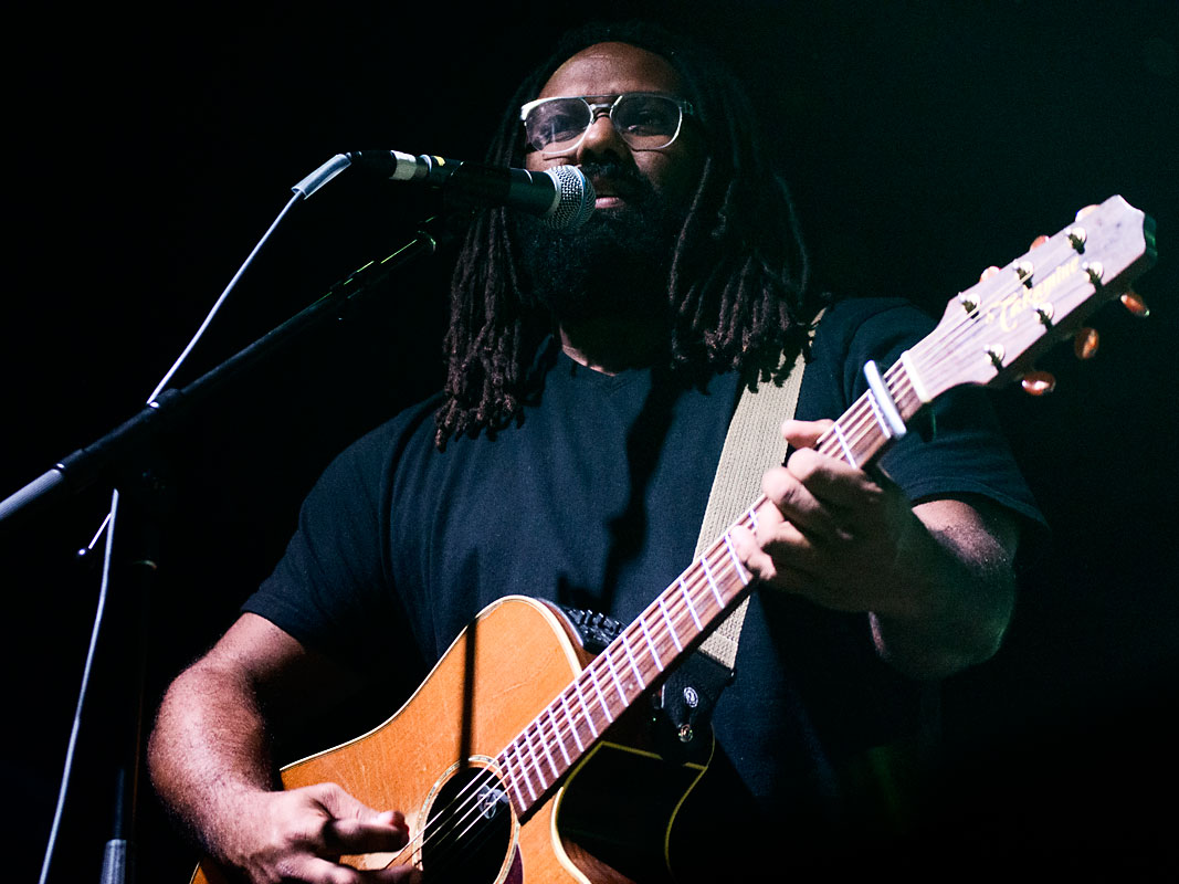 Busby Marou perform with Tia Gostelow @ Fortitude Music Hall, Friday 26 July 2019