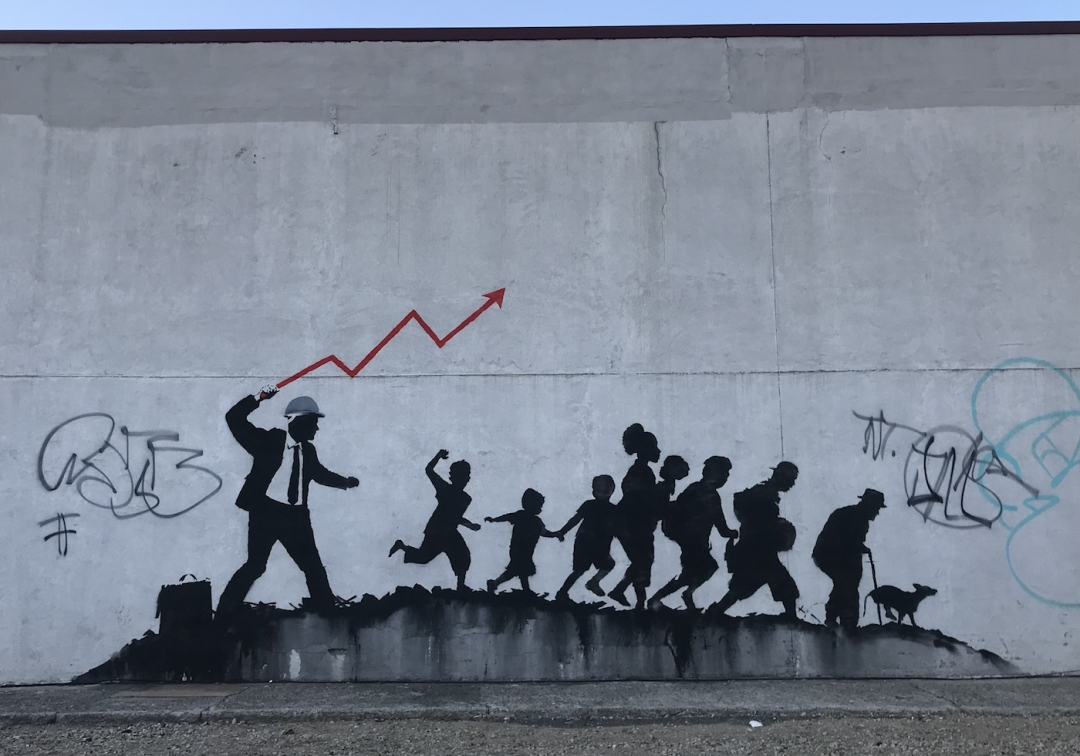 4.0 out of 5 stars street of new york pour visiter la ville. Banksy In New York Two New Murals In Brooklyn Collater Al