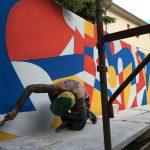 Tutti diversi, tutti uguali il muro di Lucamaleonte per Stravagante Hostel | Collater.al 2