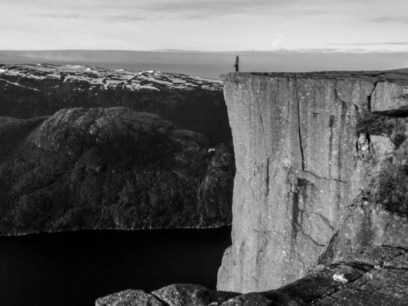 The cliff edge - image