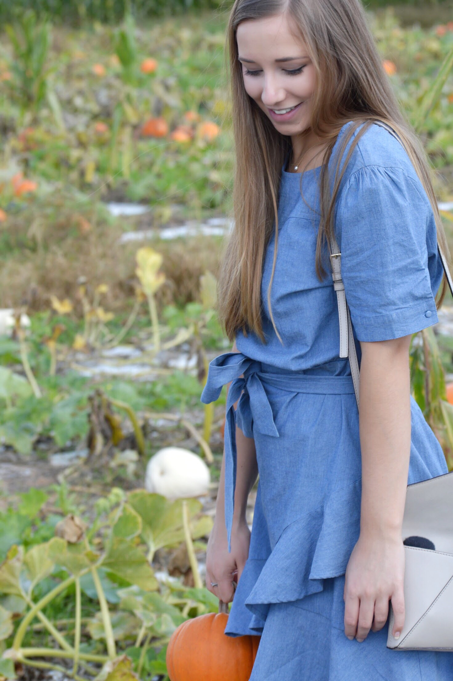 Fall Date at the Pumpkin Patch + The Perfect Ruffled Chambray Dress