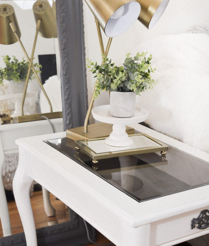 Classic and Feminine Side Table DIY