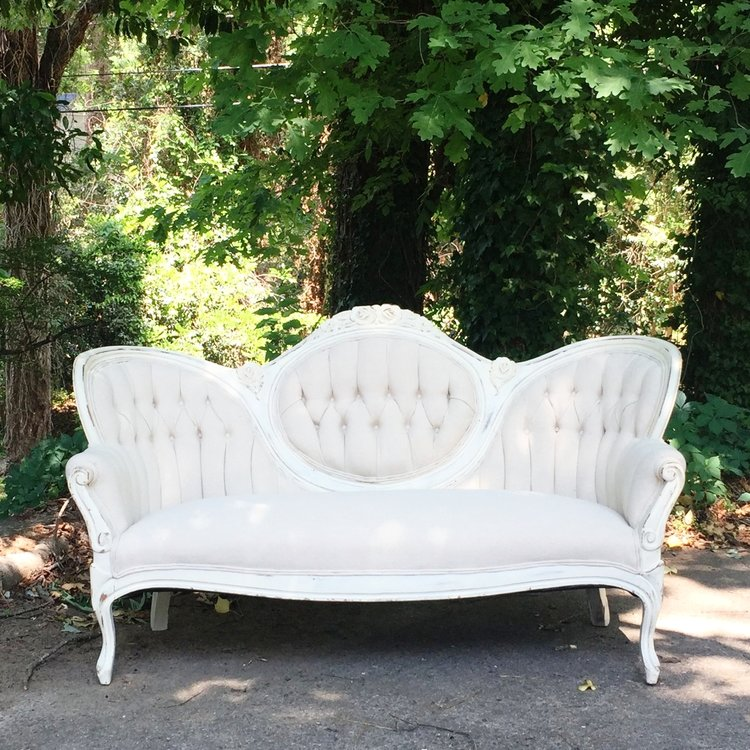 Vintage Furniture Rentals for Your Wedding
