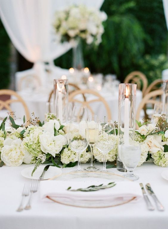 Beautiful Vintage Wedding Tablescapes