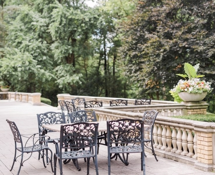 Romantic and Airy Midwestern Wedding Venues Near Chicago