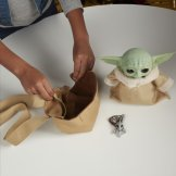 STAR WARS THE CHILD ANIMATRONIC EDITION WITH 3-IN-1 CARRIER - lifestyle (8)