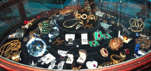 Collectors Weekly: Joseff Jewelry