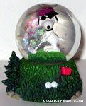 Snoopy golfing Snowglobe