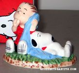 Snoopy & Linus sleeping Figurine