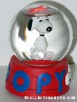 Snoopy walking Snowglobe