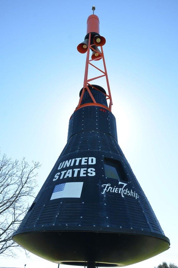 Spotting Spacecraft John Glenn' Friendship 7 '' In