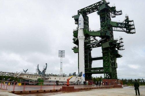 angara12pp rollout01 lg La Russie opère la raquette cosmique la plus rapide du monde