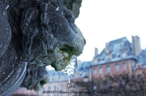 Place des Vosges, Paris, France, fountain icicle