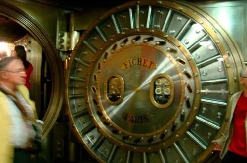 The safe at Societe Generale on Boulevard Haussmann