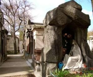 Père Lachaise sepulchres