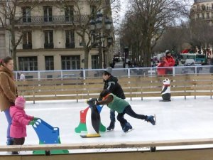 Ice skating until beginning of March at Hotel de Ville plaza in the children's rink