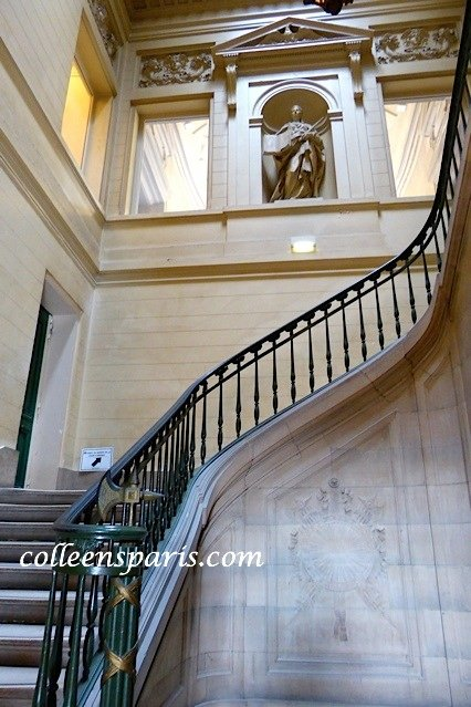 Palais de justice stairway colleensparis