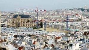 Saint Eustache and the new roof of Les Halles Tour Saint Jacques Chatelet Paris
