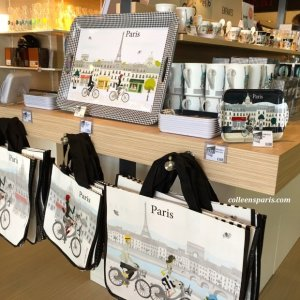 The City of Paris has a stand with Paris and Velib' souvenirs: bags, trays, mugs